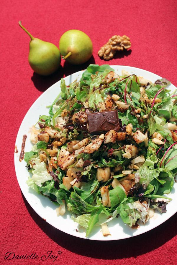 Rucola-Peer Salade met Chocolade Vinaigrette