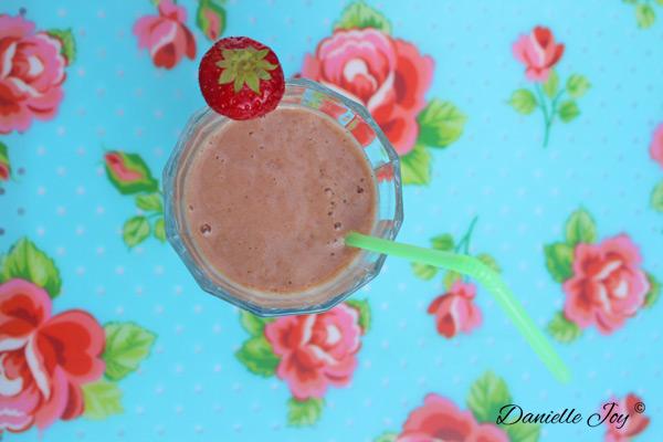 Aardbeien-Notenpasta (Groene) Smoothie
