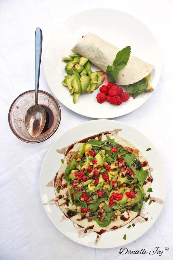 Avocado-Frambozen Wrap met Chocolade Vinaigrette | Danielle Joy