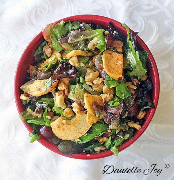 Appel-Kaneel-Druiven Salade